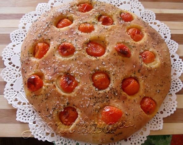 Fogača sa čeri paradajzom